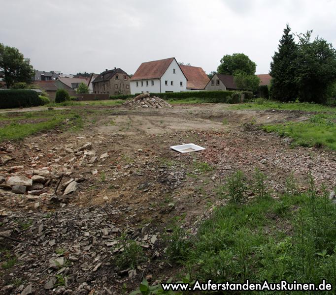 http://www.auferstandenausruinen.de/wp/wp-content/gallery/bauernhaus-duett-das-ende/Unbenanntes_Panorama2.jpg
