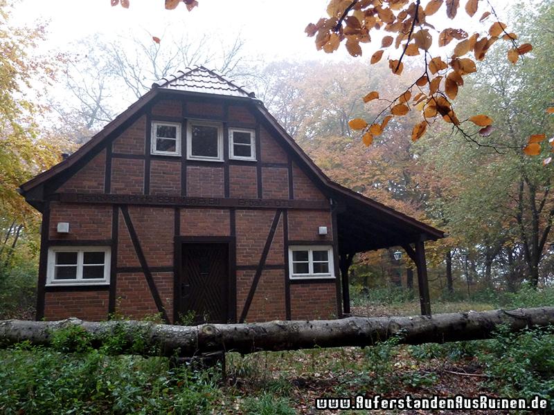 http://www.auferstandenausruinen.de/wp/wp-content/gallery/gaststaette-der-pioniere/P1060906.JPG