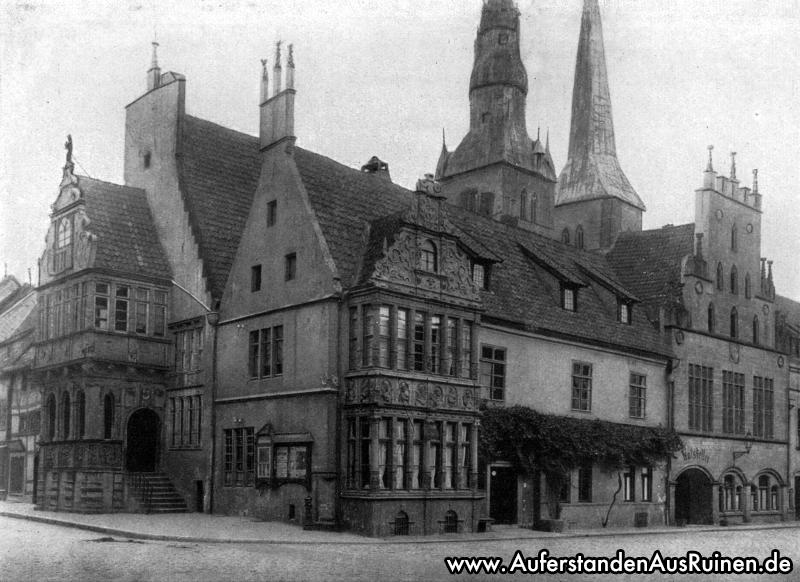 http://www.auferstandenausruinen.de/wp/wp-content/gallery/historischebilder-lipperland/Rathaus-Lemgo.jpg