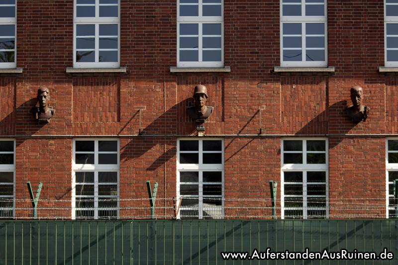 https://www.auferstandenausruinen.de/wp/wp-content/gallery/kasernen-bielefeld-kunst/IMG_3506.JPG