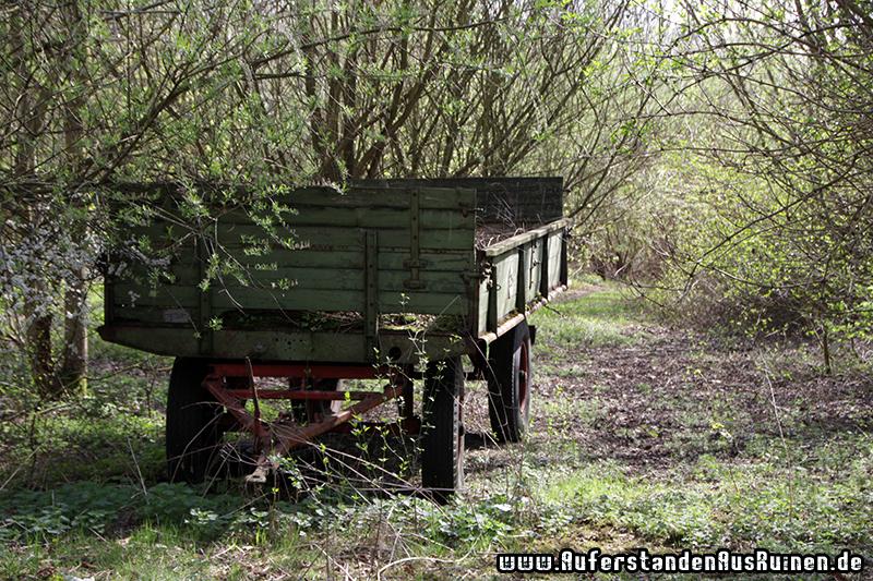 http://www.auferstandenausruinen.de/wp/wp-content/gallery/landwirtschaftsmaschinen/IMG_9072.JPG