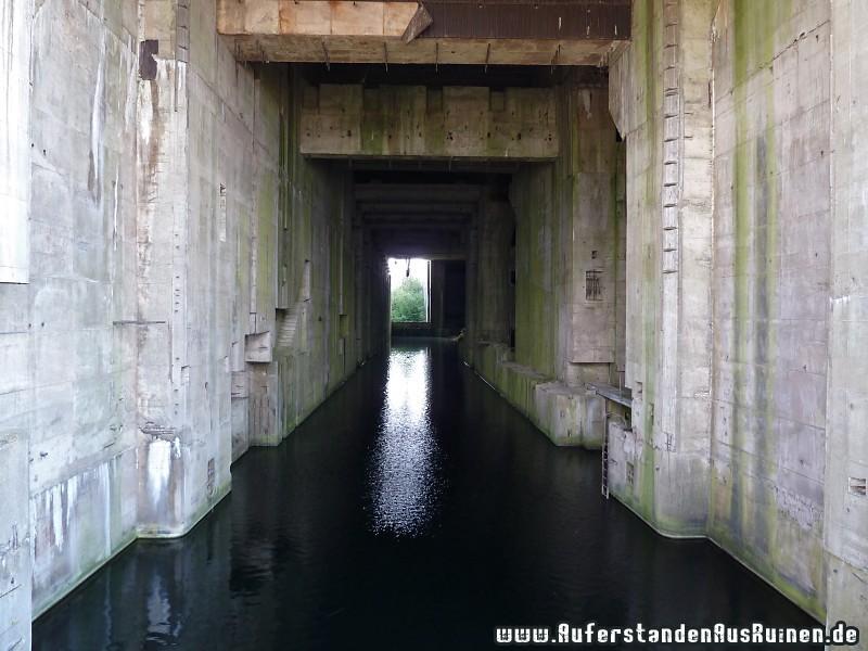 http://www.auferstandenausruinen.de/wp/wp-content/gallery/u-boot-bunker-valentin/p1030601.jpg