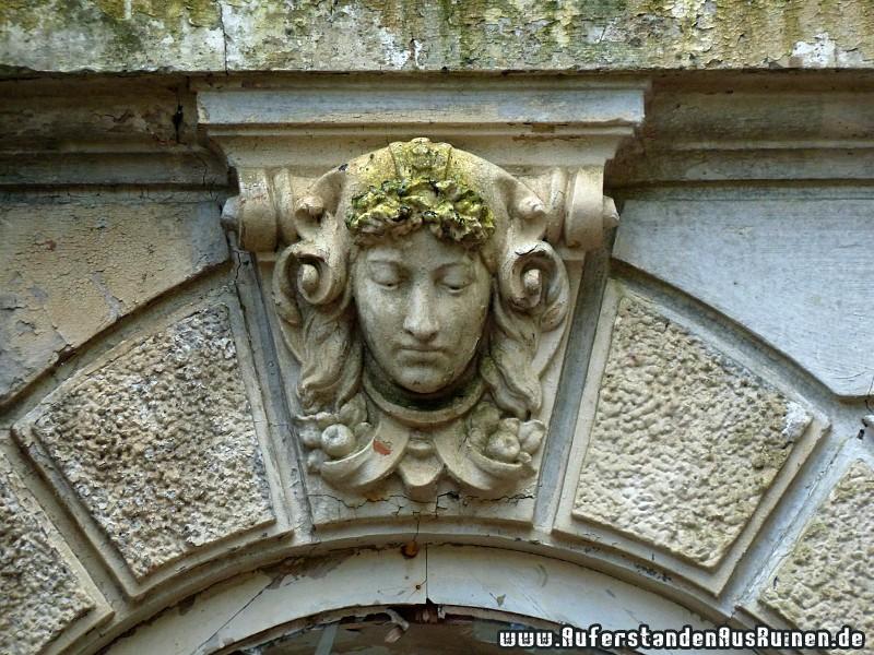 http://www.auferstandenausruinen.de/wp/wp-content/gallery/villa-s-details/p1150557.jpg